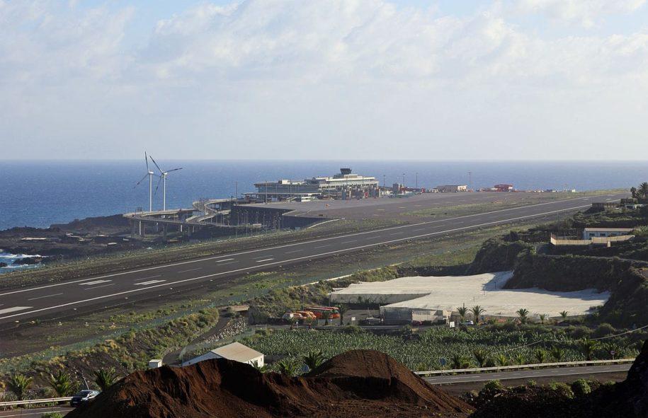 L'aeroporto di Santa Cruz de La Palma alle Canarie