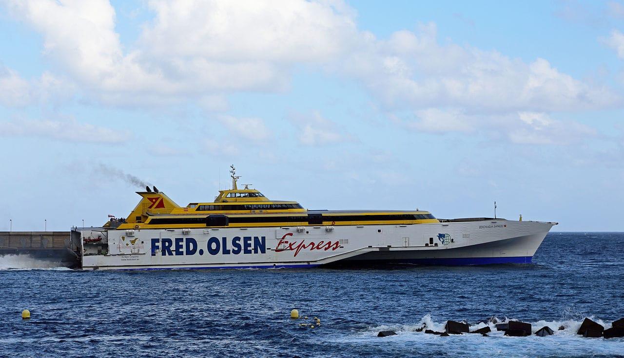 Traghetto Fred Olsen per la Palma Canarie