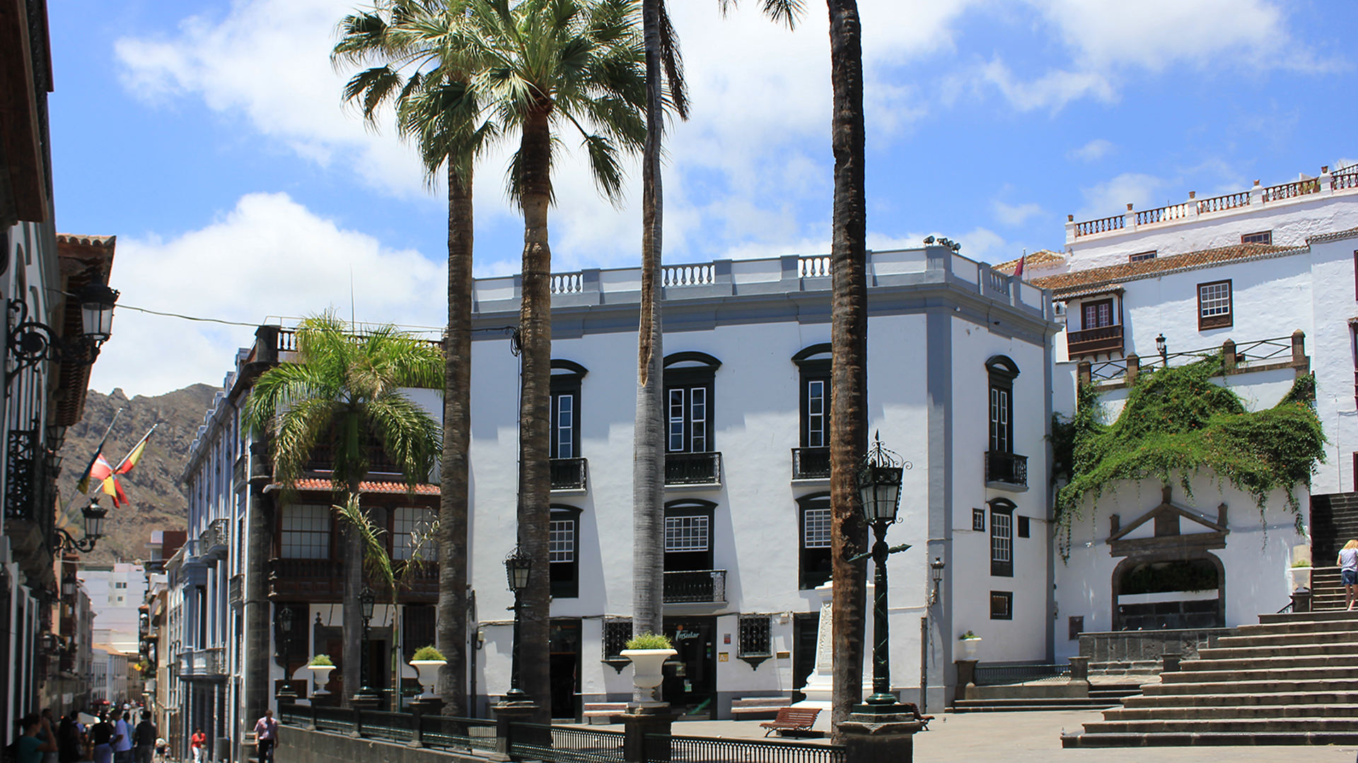 La capitale Santa Cruz de La Palma tours e visite guidate scopri la storia e il patrimonio storico e culturale della capitale de La Palma con una guida italiana