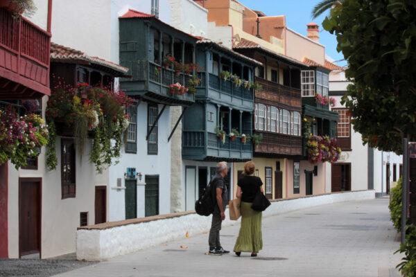 tour guiado en santa cruz de la palma capital de La Palma con guía oficial