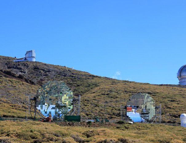 TREKKING CON GUIDA AL ROQUE DE LOS MUCHACHOS - Telescopi-roque-de-los-muchachos